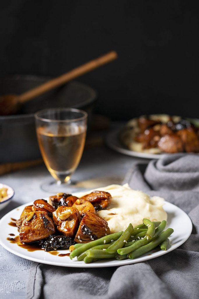 Υγιεινό και γρήγορο κοτόπουλο με βαλσάμικο μέλι και ξερά φρούτα 2