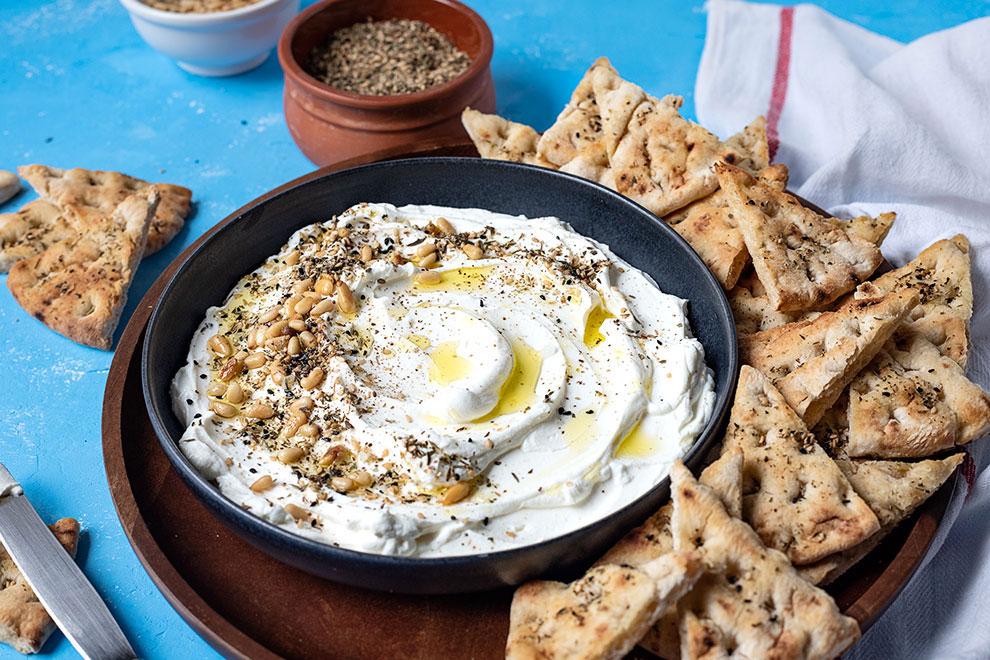 Φτιάξτε σπιτικό τυρί κρέμα από γιαούρτι (Labneh) 3