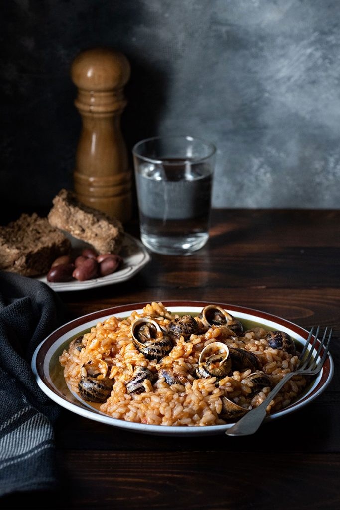 χοχλιοί κοκκινιστοί με ρύζι 2