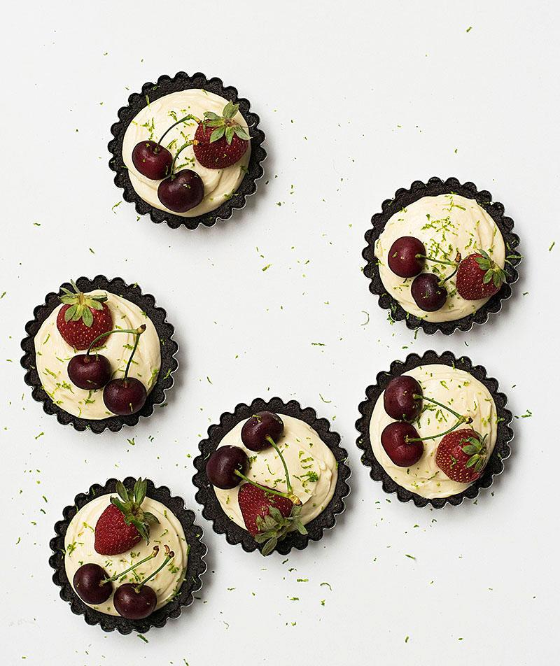 no_bake_white_chocolate_oreo_tarts