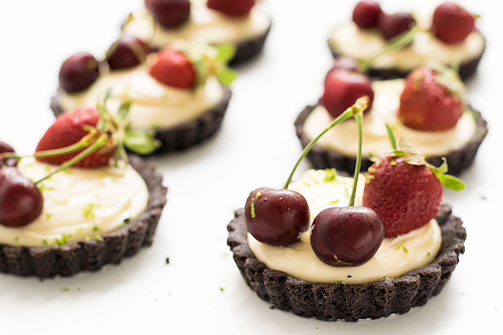 no_bake_white_chocolate_oreo_tarts_2