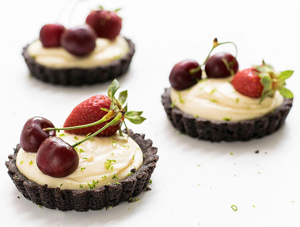 no_bake_white_chocolate_oreo_tarts_3
