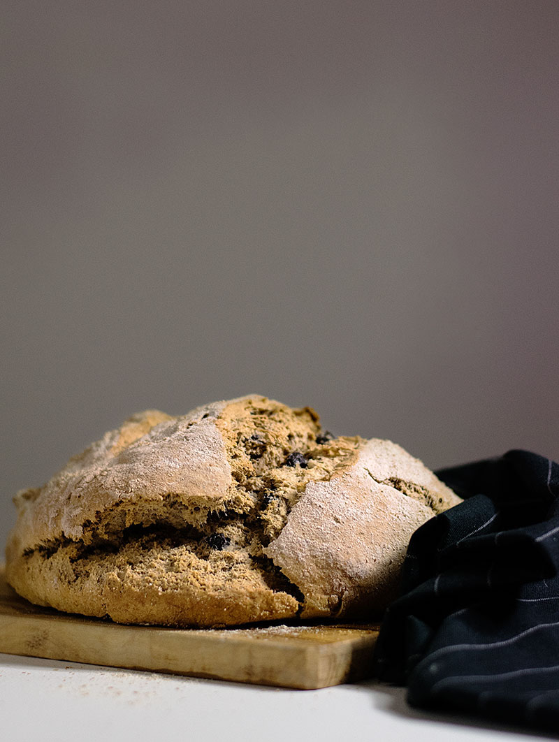 quick_beer_and_olives_bread_no_yeast_1