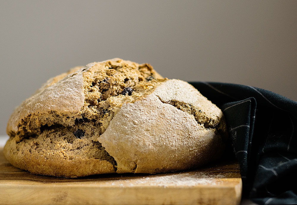 quick_beer_and_olives_bread_no_yeast_2