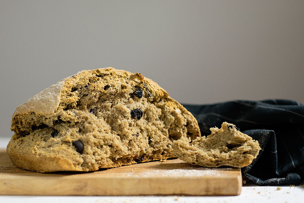 quick_beer_and_olives_bread_no_yeast_4