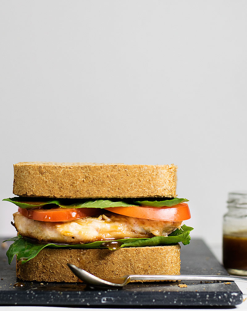 chicken-sandwich-with-balsamic-olive-oil-sauce-4
