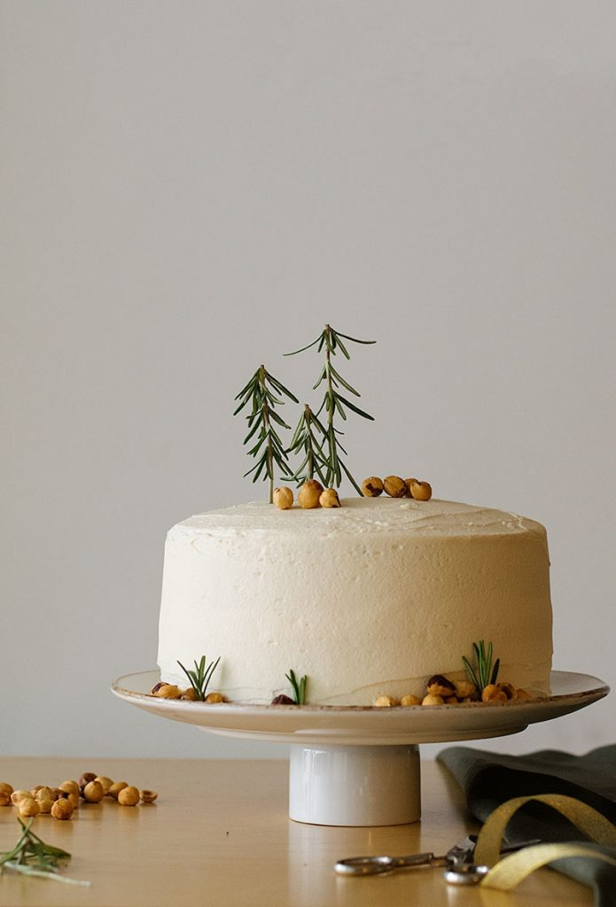 xmas-scented-cake-with-fluffy-vanilla-buttercream-2