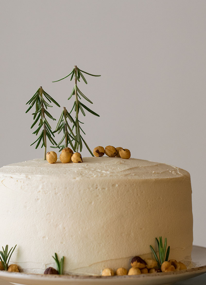 xmas-scented-cake-with-fluffy-vanilla-buttercream-3