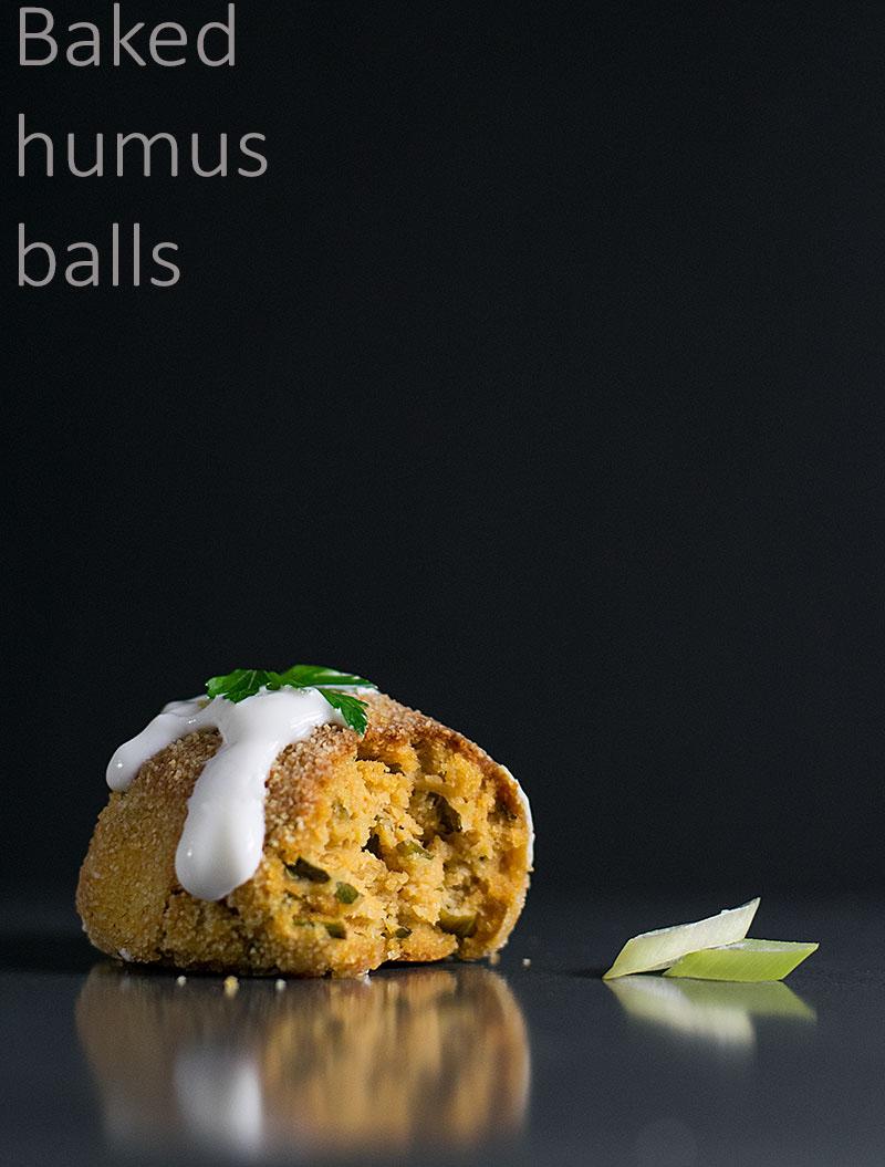 baked-humus-balls-with-yogurt-dressing-5