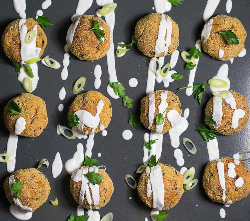 baked-humus-balls-with-yogurt-dressing