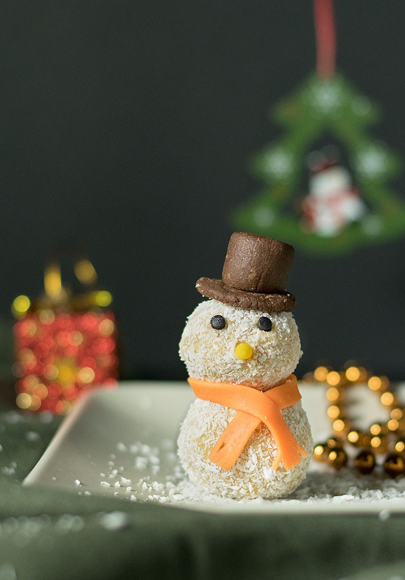 xmas-white-chocolate-truffle-snowmen-4