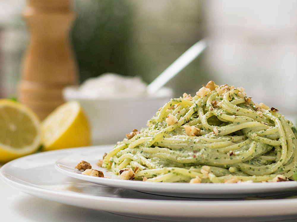 detox-pasta-with-creamy-spinach-pesto-4
