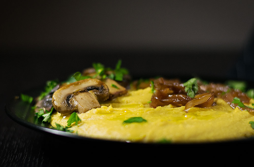 yellow-split-pea-purée-with-mushrooms-and-caramelized-onions-3