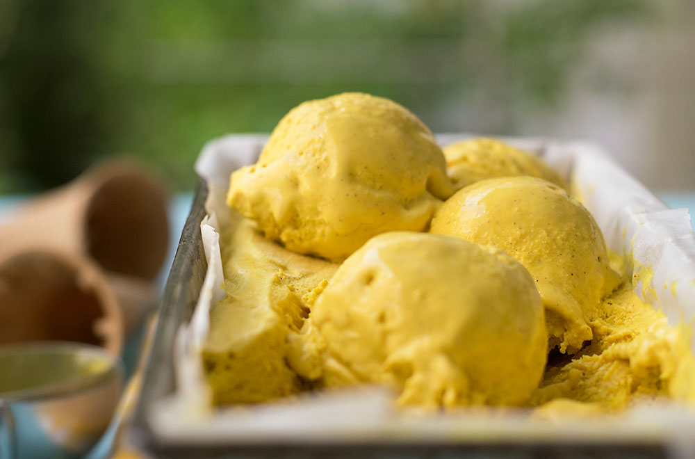 Bee pollen golden milk no-churn ice cream 3
