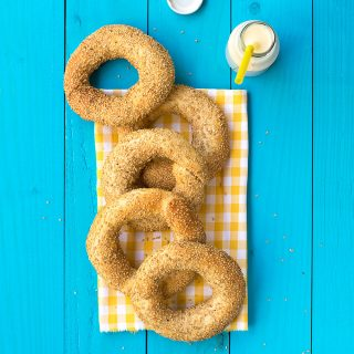 Greek sesame bagels (koulouri) featured