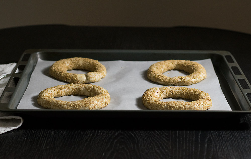 Greek sesame bagels (koulouri)