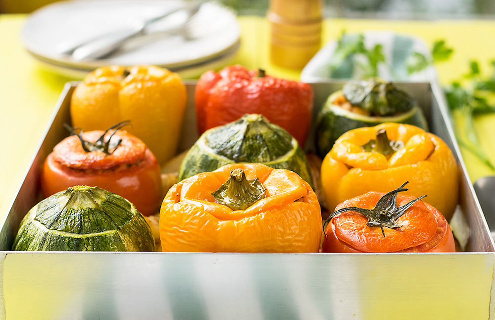 Everything grains Mediterranean stuffed vegetables 4
