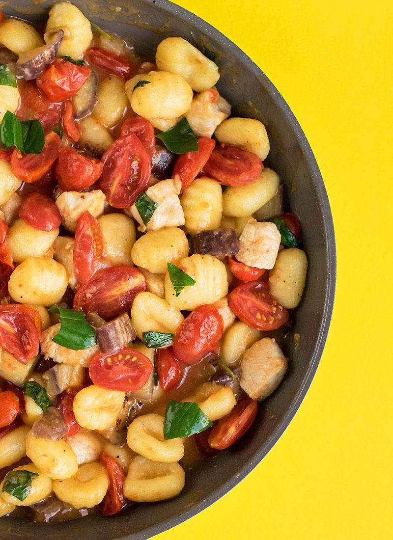 Mediterranean skillet with gnocchi and chicken 5