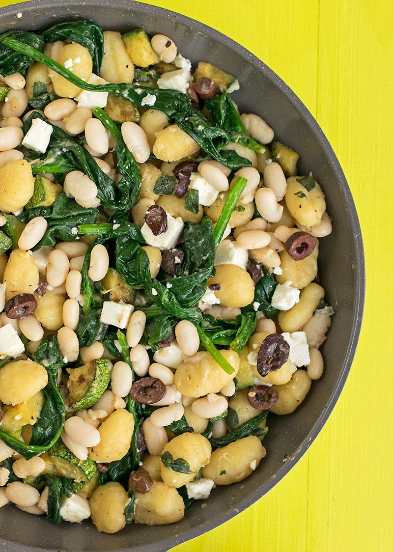 Mediterranean skillet gnocchi with white beans & spinach 2