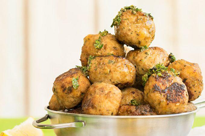 Juicy Greek fried meatballs (keftedes) f3