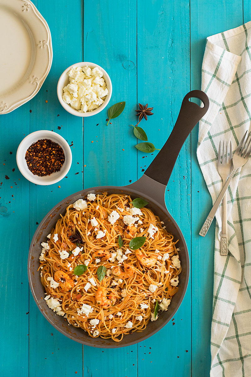 Roasted pepper and ouzo shrimp spaghetti 1