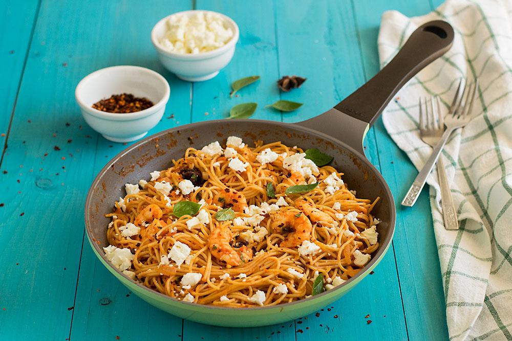 Roasted pepper and ouzo shrimp spaghetti 3
