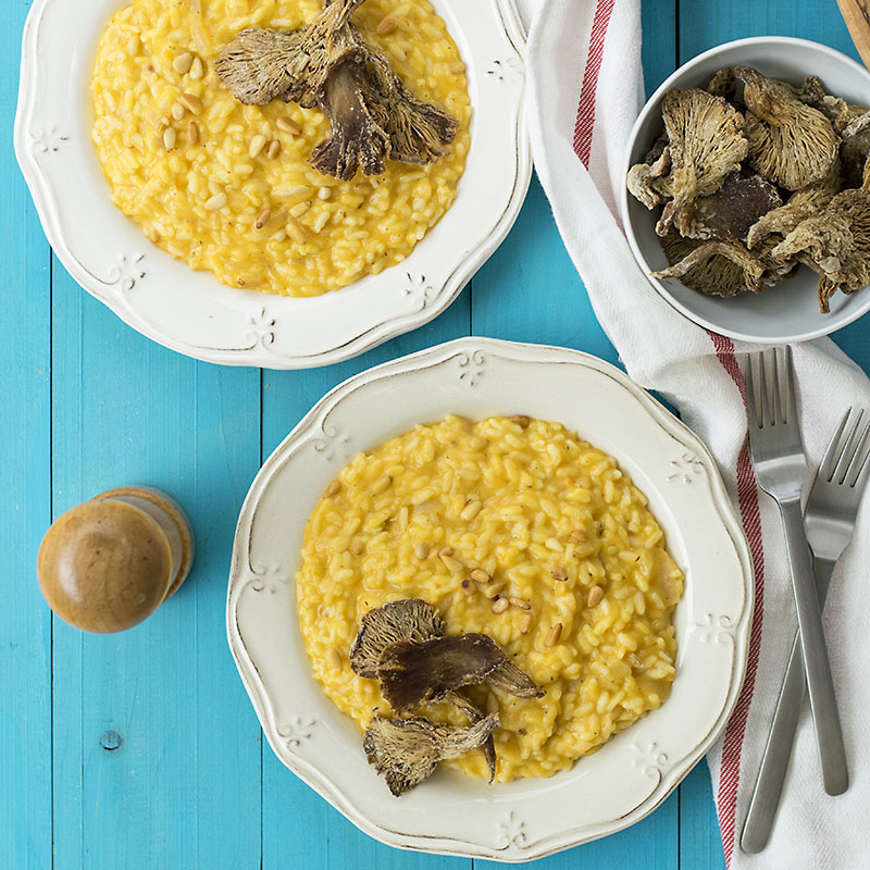 Light & creamy butternut squash risotto with mushroom chips featured