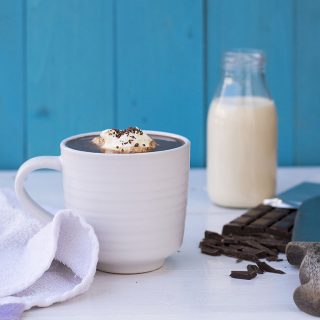 How to make thick & velvety French hot chocolate featured
