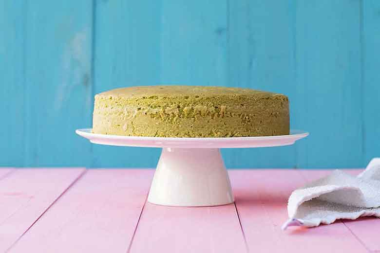 pistachio cake with rose water frosting 4