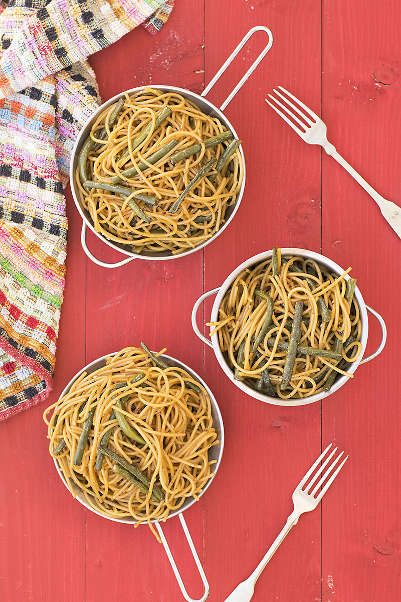 Mediterrasian spaghetti or noodles with Chinese long beans 2
