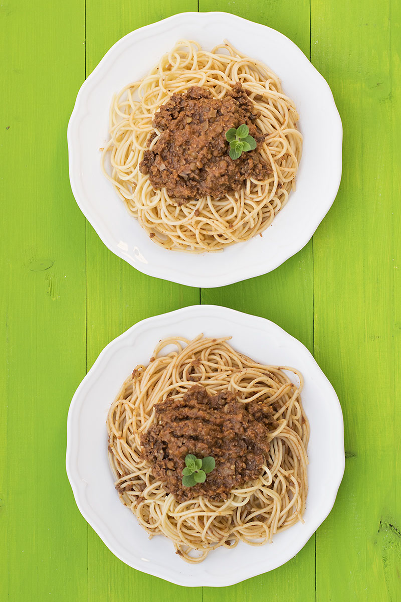 Soy-free & protein-rich vegan Bolognese sauce for pasta 3