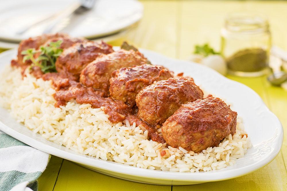 Greek baked meatballs in tomato sauce (soutzoukakia) 3