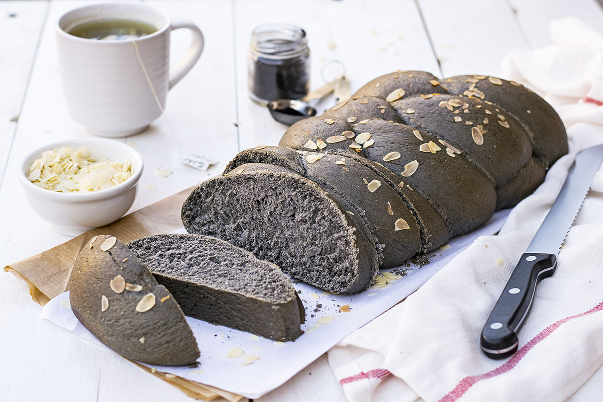 Black Detox Vegan Challah Bread with olive oil 5