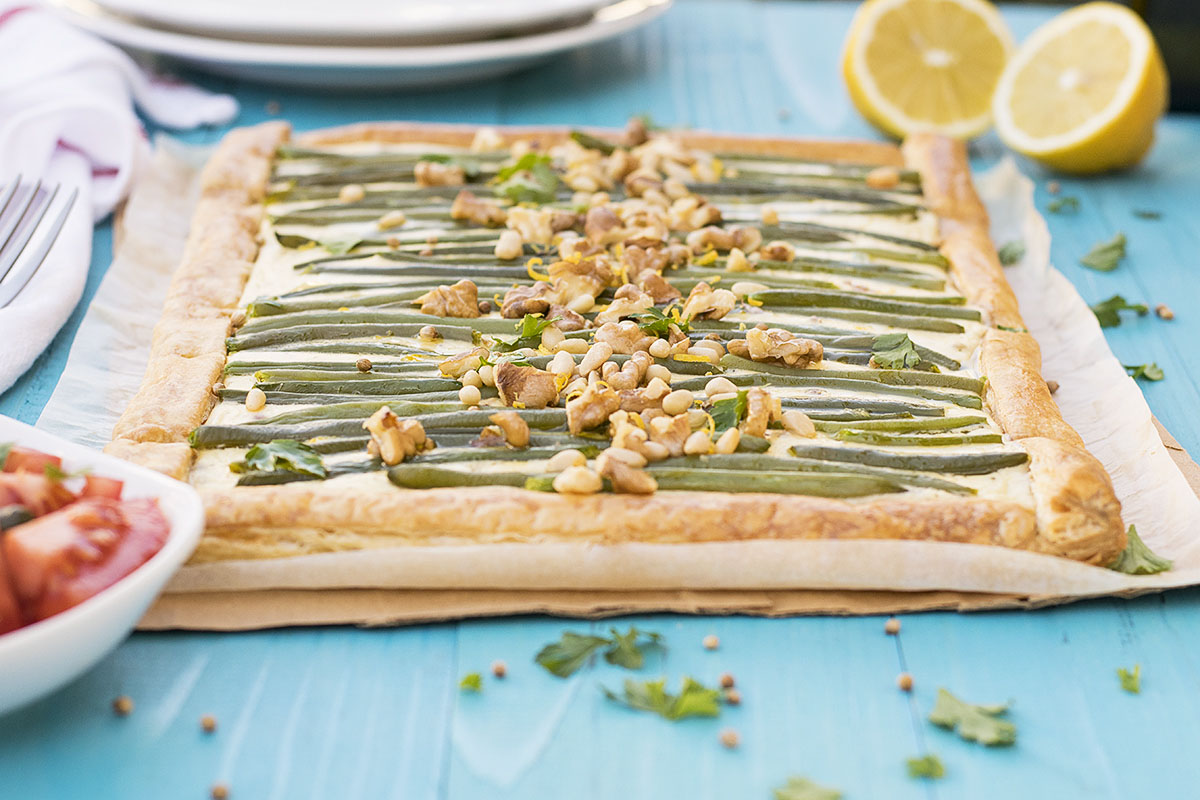 Green bean and feta mediterranean tart with puff pastry 3