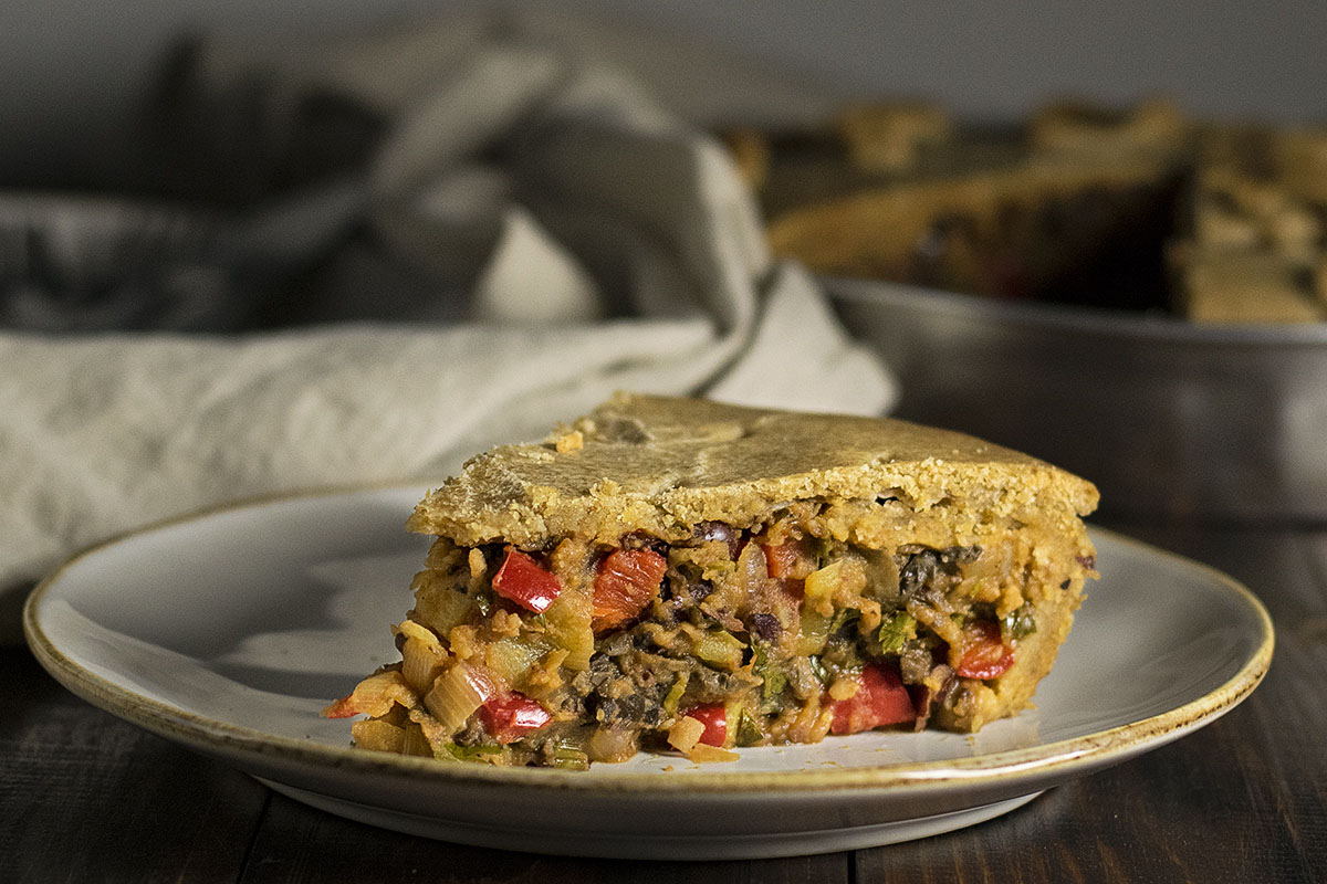 Vegan savory pie with vegetables and red bean puree 5a