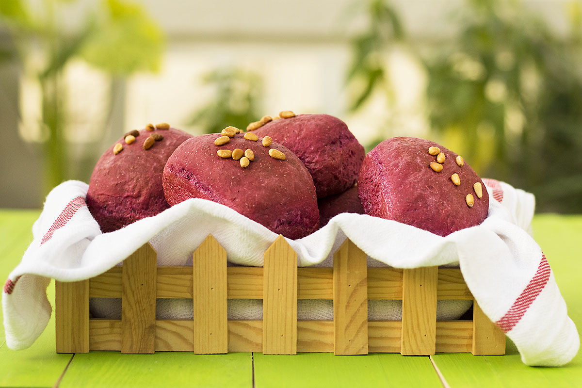 Beet, basil, and olive oil mini bread loaves 4