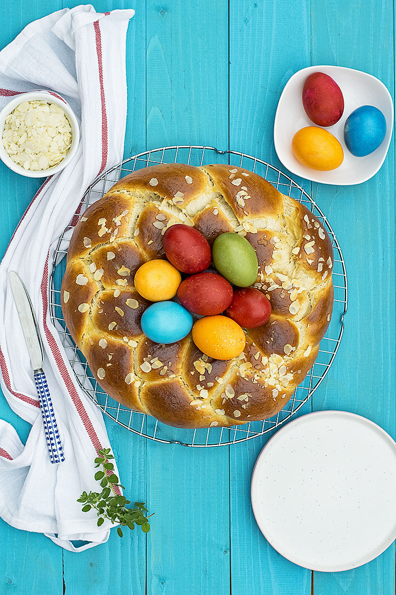 Greek Easter sweet bread with olive oil (Tsoureki) 2