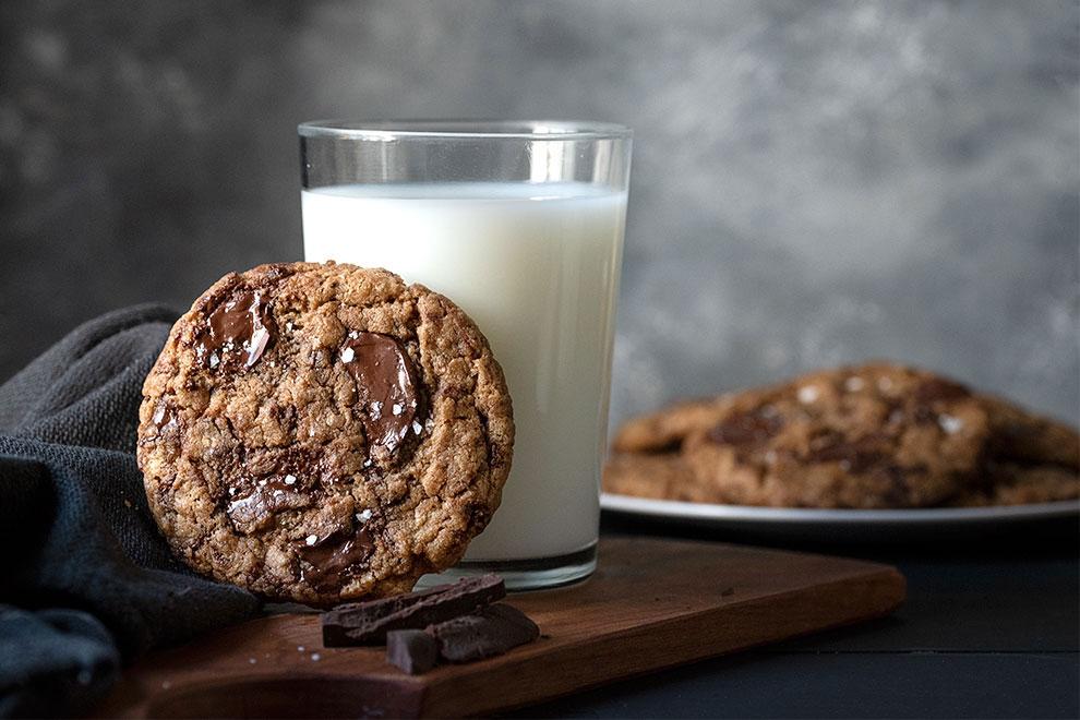 tahini and olive oil chocolate chunk cookies vegan 6