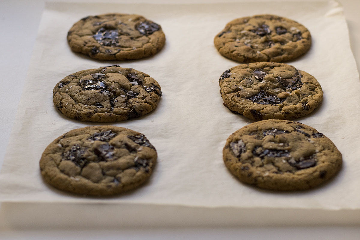 Vegan olive oil and tahini chocolate chunk cookies 2