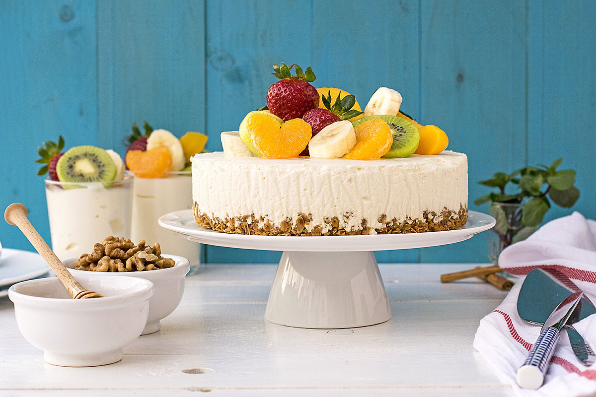 Greek yogurt, honey & white chocolate mousse cake 1