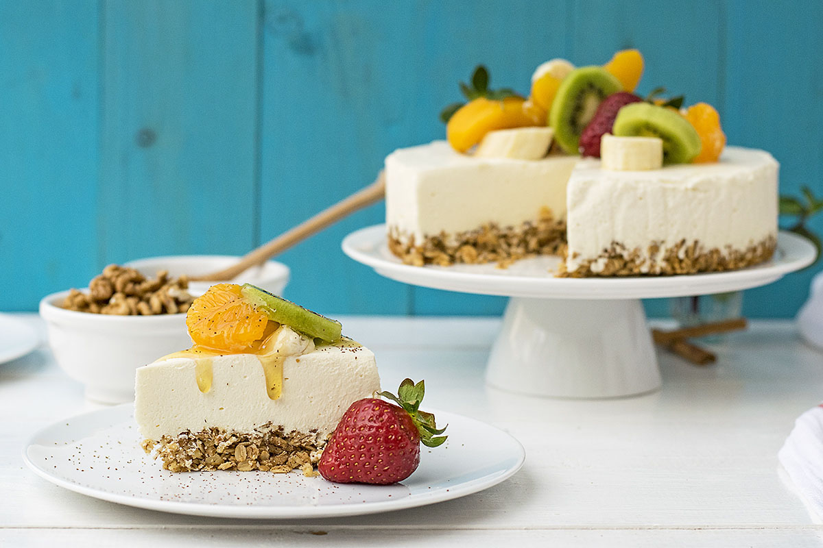 Greek yogurt, honey & white chocolate mousse cake 3