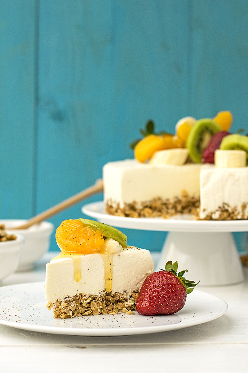Greek yogurt, honey & white chocolate mousse cake 4