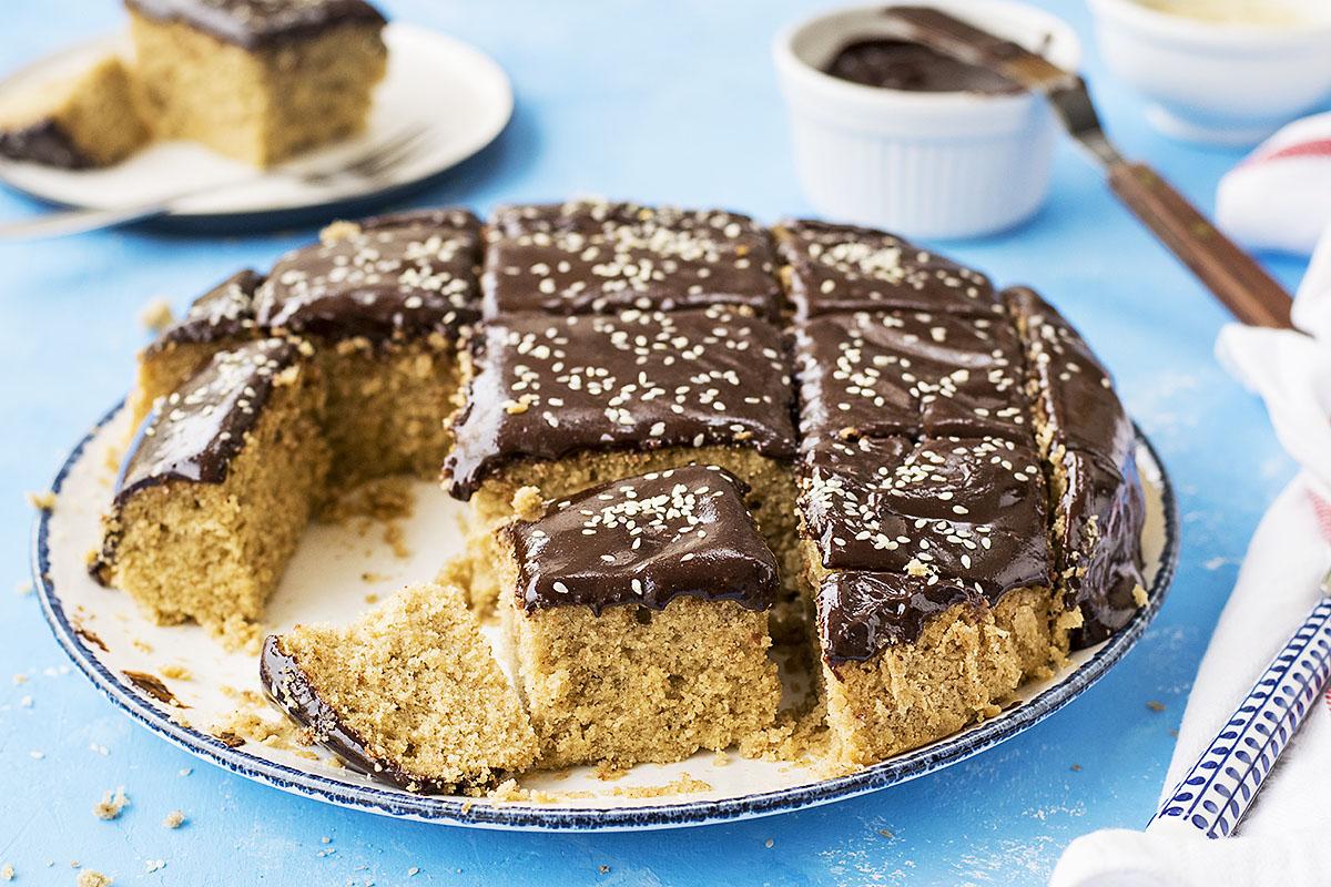 Vegan olive oil cake (Fanouropita) with tahini ganache 3