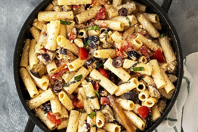 Creamy summer pasta with eggplant and tomatoes f
