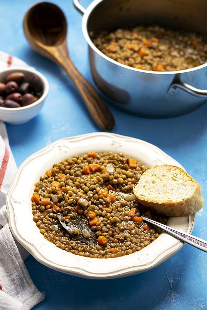 Easy Greek brown lentil soup (vegan) 4