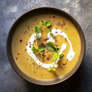 Easy red lentil and pumpkin velvet soup (Vegan) feat