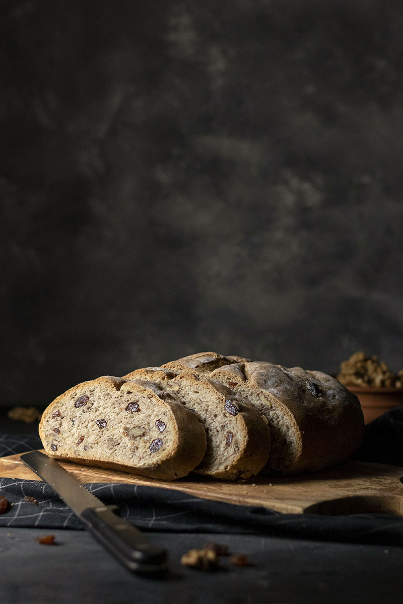 Easy whole wheat walnut - raisin bread (Vegan) 1
