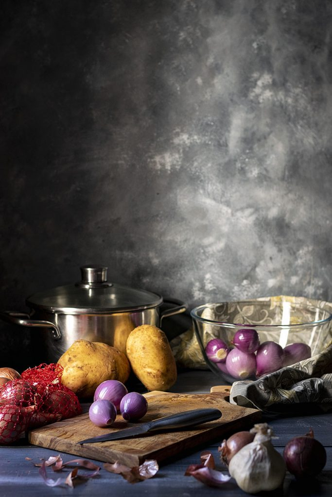 Greek beef stew with pearl onions (Stifado) 2