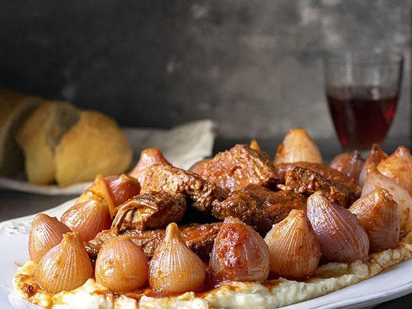 Greek beef stew with pearl onions (Stifado) feat.