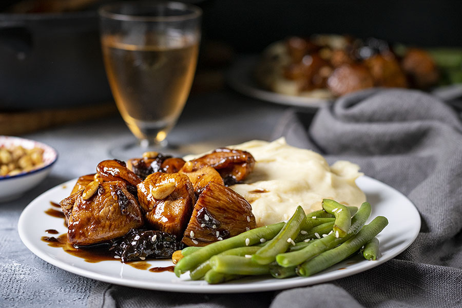 Healthy Honey-Balsamic skillet chicken with dried fruit 3